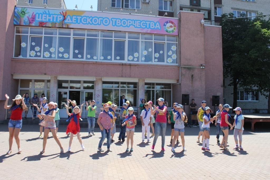 Во дворах Ставрополя стартовал проект ГИБДД «Каникулы с пользой»