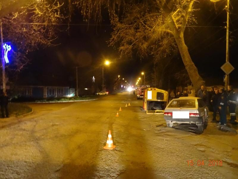 Три человека пострадали при столкновении автомобиля и пассажирской «Газели» на Ставрополье