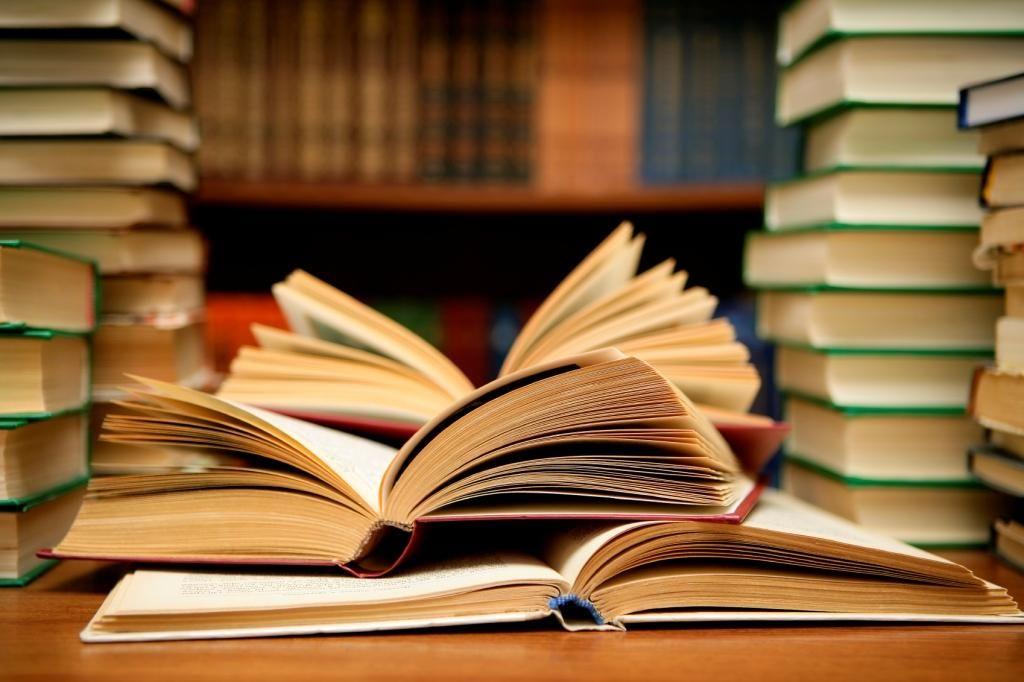 Граждане Кисловодска подарили библиотеке 900 книжек