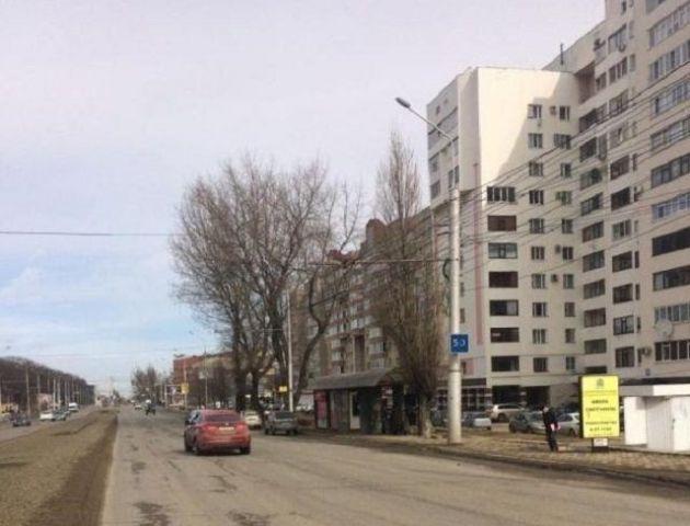 В Ставрополе при резком торможении маршрутки девушка сломала плечо