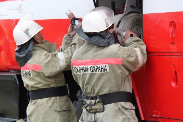 На Ставрополье горит цех кирпичного завода