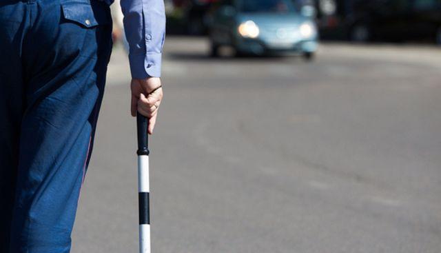 На Ставрополье ребёнок выпал из автомобиля на трассу во время движения