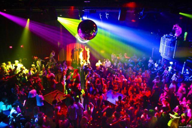 Ставрополец в клубе похитил из кошелька девушки деньги