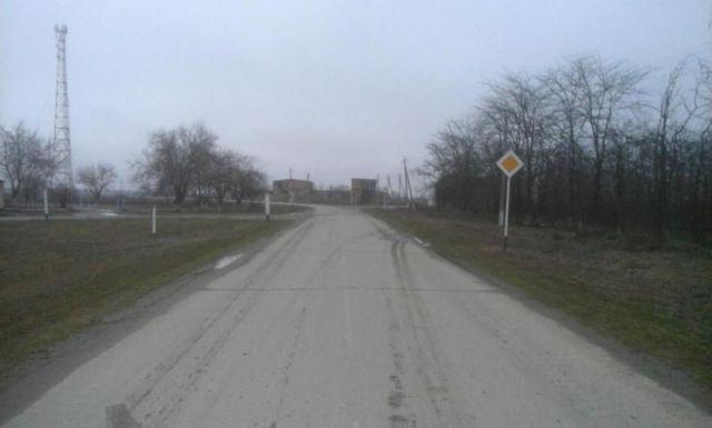В Ставропольском крае в ДТП погиб водитель без прав, ещё двое ранены
