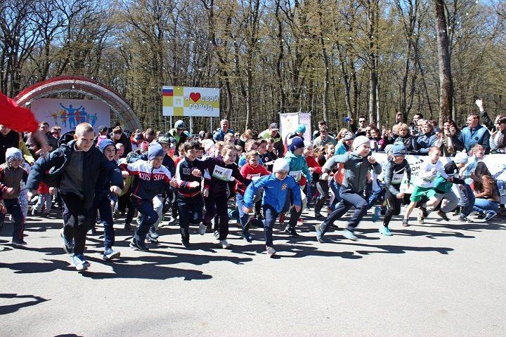 «Беговая бабушка» преодолела 10-километровую дистанцию на ежегодном забеге «Весенний Ставрополь»