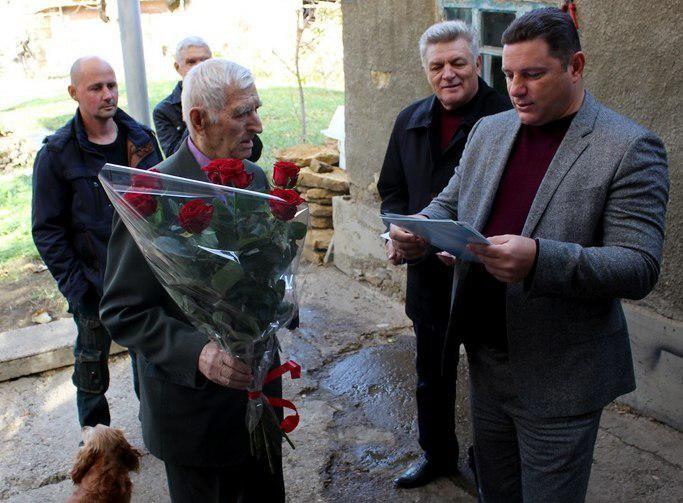 Владимир Путин поздравил ветерана из Кисловодска с 90-летием