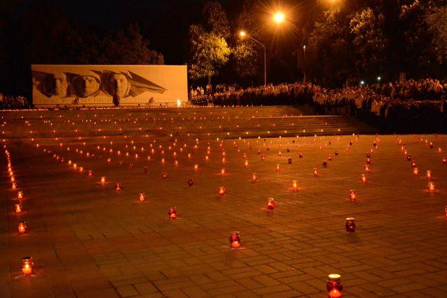 В Ставрополе зажгли сотни «огней памяти»