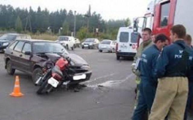 В Ставрополе иномарка столкнулась со скутером, есть пострадавший