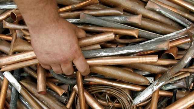 Тонну металла и бетонные трубы украл житель Ставрополья у соседа