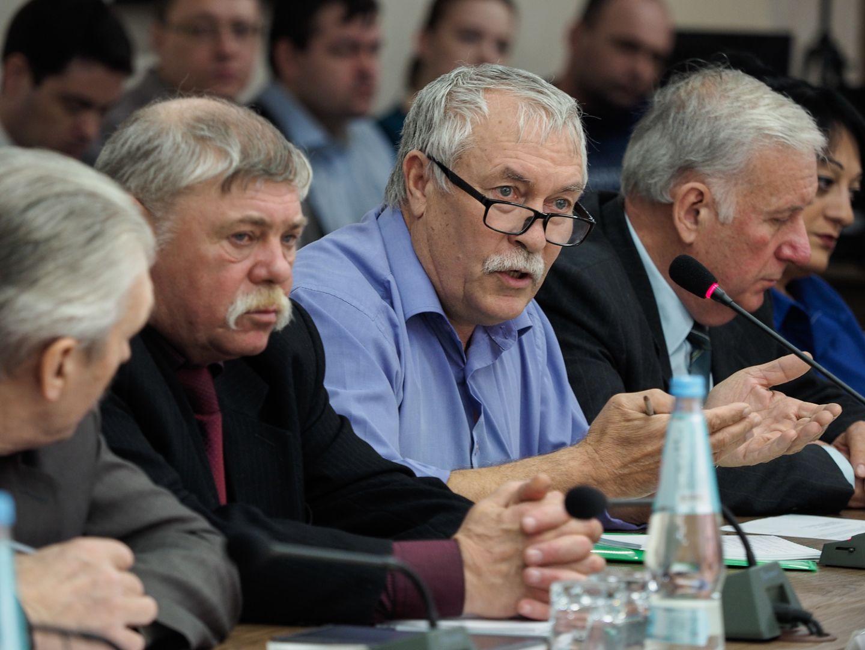 Поправки вЗакон оземле снимут 90% трудностей — Владимир Владимиров