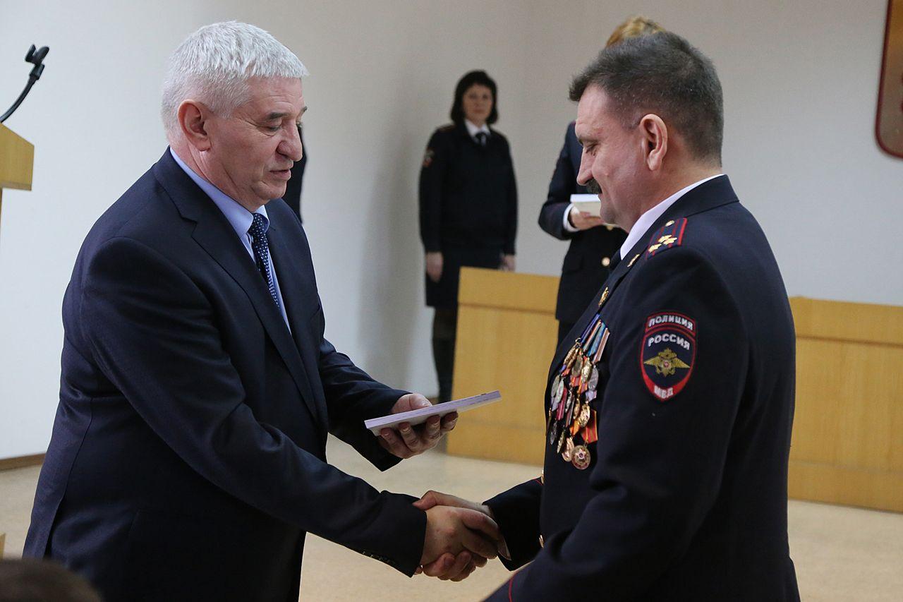 Глава Ставрополя поздравил полицейских с профессиональным праздником