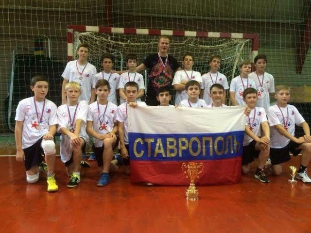 Юные гандболисты Ставрополя привезли бронзу из Москвы