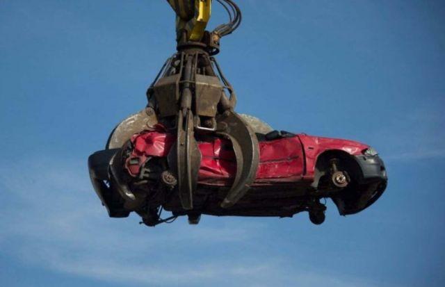 Житель Ставрополя сдал чужой автомобиль на металлолом