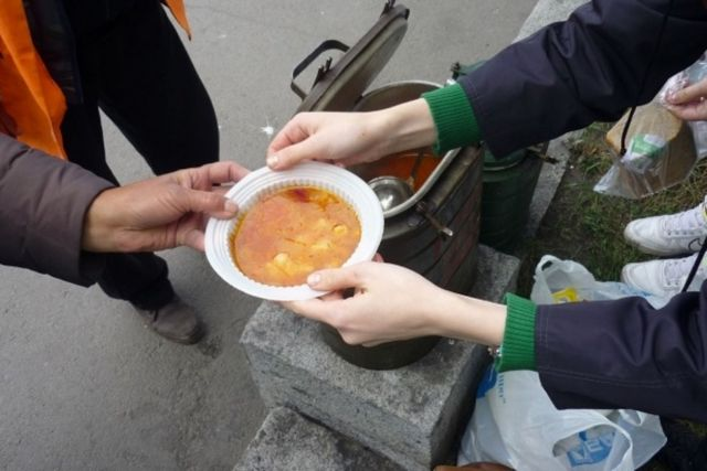 Жители Ставрополя могут помочь обездоленным людям и инвалидам