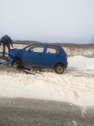 На Ставрополье столкнулись две легковушки, один человек погиб, пятеро пострадали