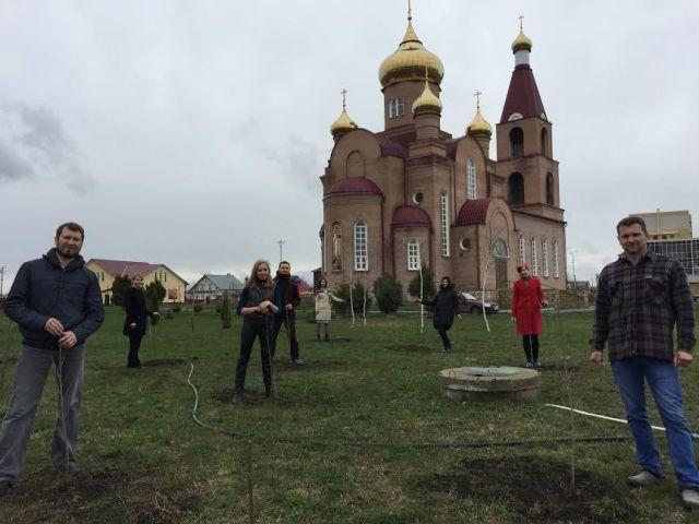 Участники спектакля «Вишнёвый сад» посадили вишнёвый сад в Михайловске