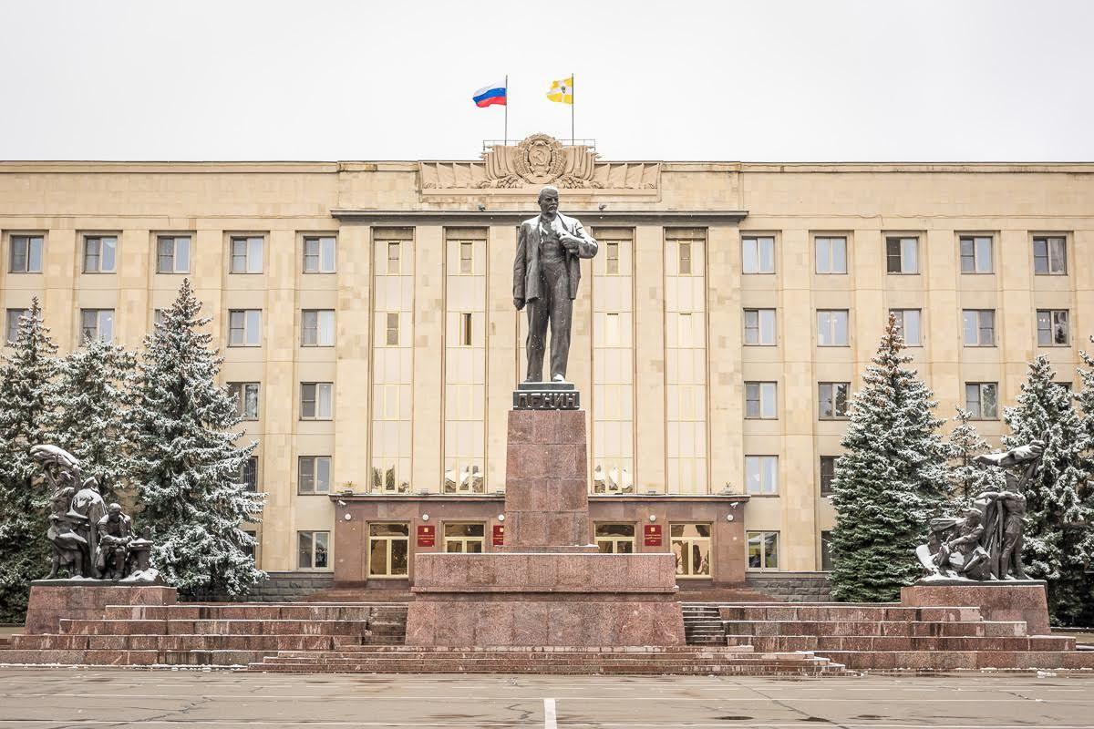 Губернатор Владимиров провёл совещание подолгостроям Ставропольского края