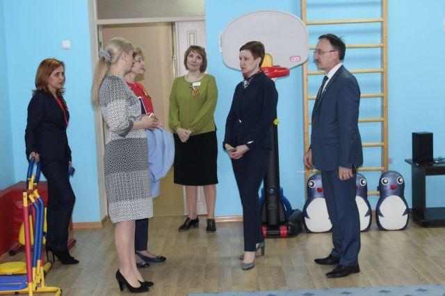 Замминистра образования и науки РФ Татьяна Синюгина посетила образовательные организации Ставрополя