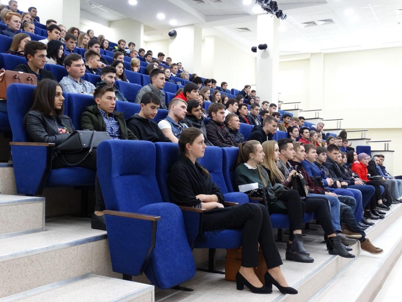 Полицейские провели встречу со студентами Северо-Кавказского федерального университета