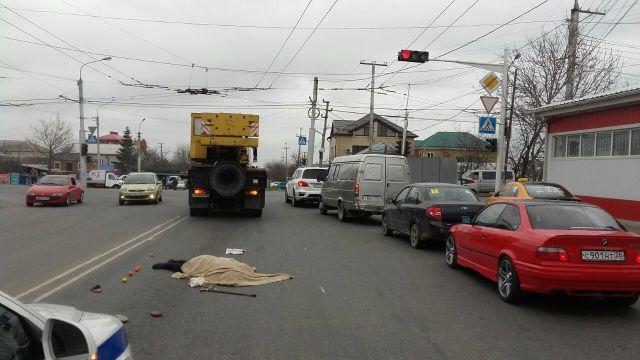 В Ставрополе нарушившая ПДД женщина погибла под колёсами грузовика
