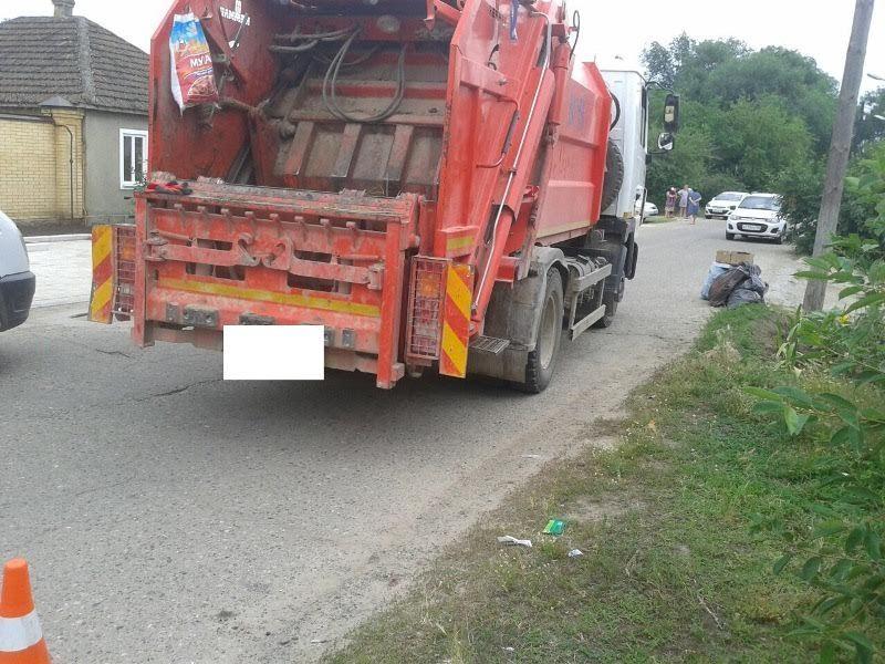 На Ставрополье под колёсами мусоровоза погиб ребёнок