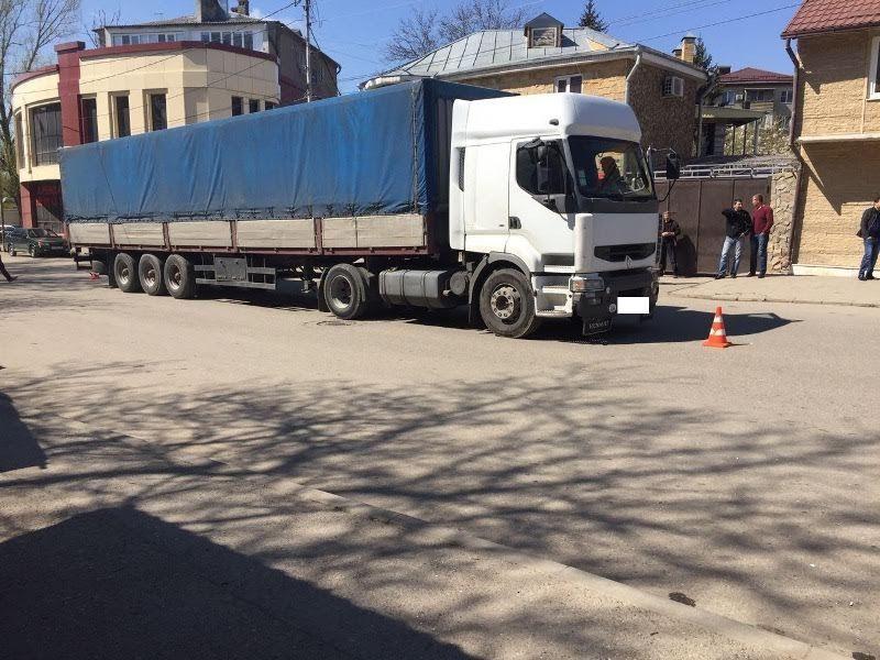 В Пятигорске водитель грузовика сбил пешехода
