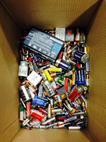 Молодёжь Ессентуков собирает батарейки
