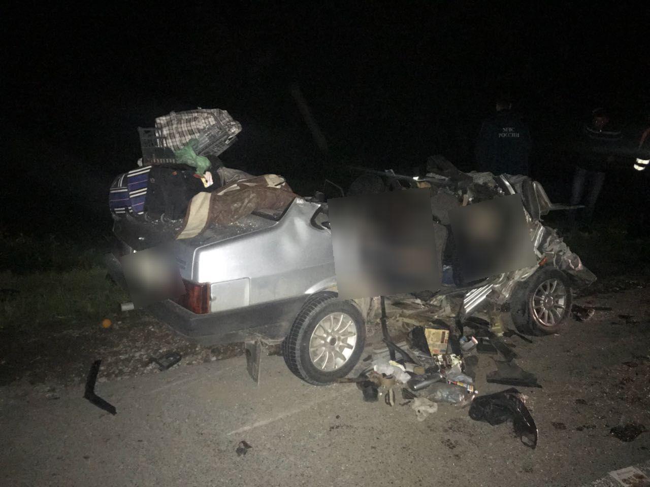 Шесть человек погибли в столкновении двух легковушек на Ставрополье