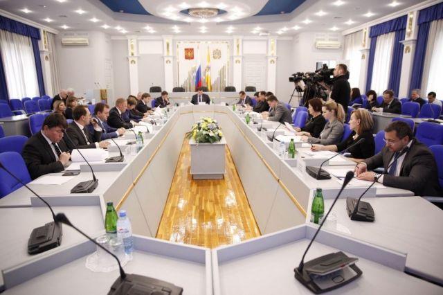 На заседании комитета Думы Ставрополья обсудили растущий госдолг края