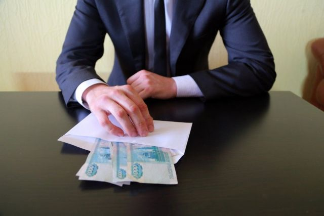В Ставрополе мужчина подозревается в даче взятки должностному лицу