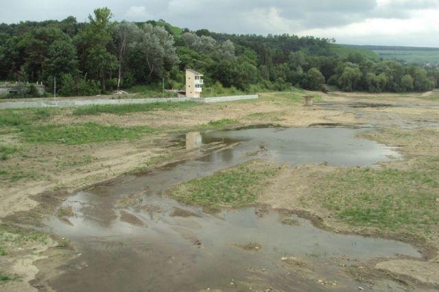 В Кисловодске из-за подтопления подвалов в домах осушат Старое озеро