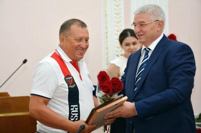 В администрации Ставрополя чествовали гандболистов-победителей