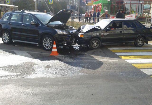 Очевидцы: В Ставрополе водитель «Хонды» устроил ДТП и потасовку с сотрудниками ДПС