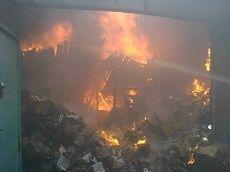 Пожар на рынке «КавМинВоды» охватил 400 кв.м