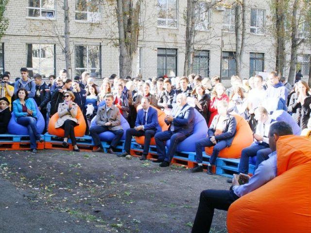 Универсальную молодёжную площадку открыли в Ставропольском колледже связи