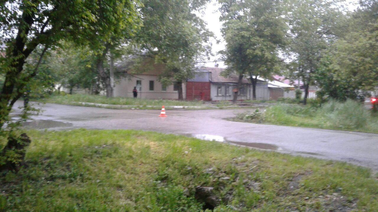 Неустановленный шофёр сбил ребёнка навелосипеде наКраснознаменной вПятигорске