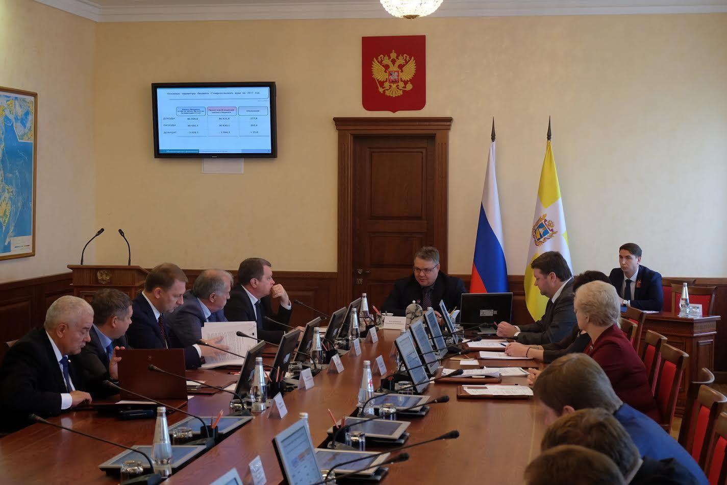 Неменее 377 млн. руб. поступит дополнительно наремонт ставропольских дорог