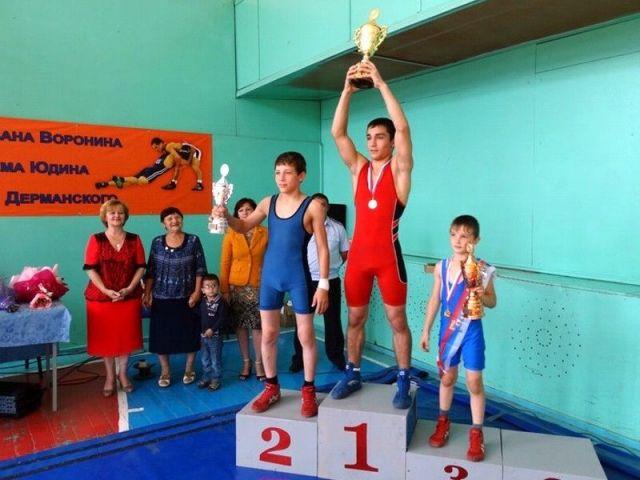 В крае прошёл турнир по греко-римской борьбе в память погибших полицейских