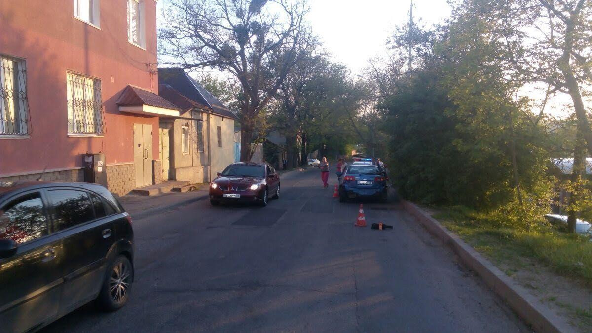 ВСтаврополе оставленный без присмотра ребенок попал под колеса машины