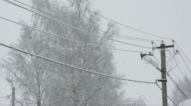 В связи с непогодой в Ставропольском крае энергетики ввели режим повышенной готовности
