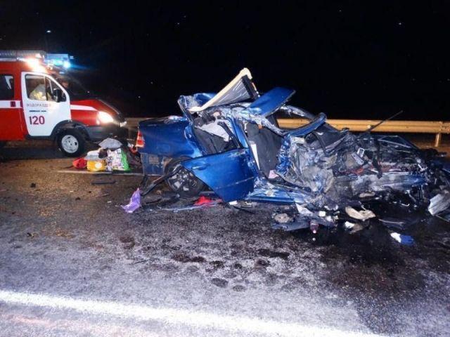 На федеральной трассе «Кавказ» в ДТП погибла женщина, пострадал 3-летний ребёнок