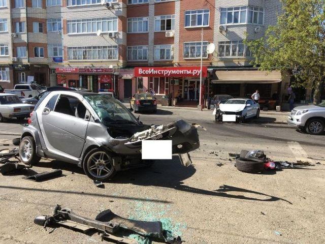 В Ставрополе в тройном ДТП пострадали две девушки