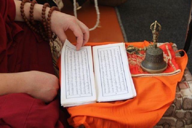 Осуждённые ставропольской колонии пообщались со жрецом-буддистом из Калмыкии