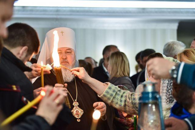 Ставропольский край первым в России встретил Благодатный огонь