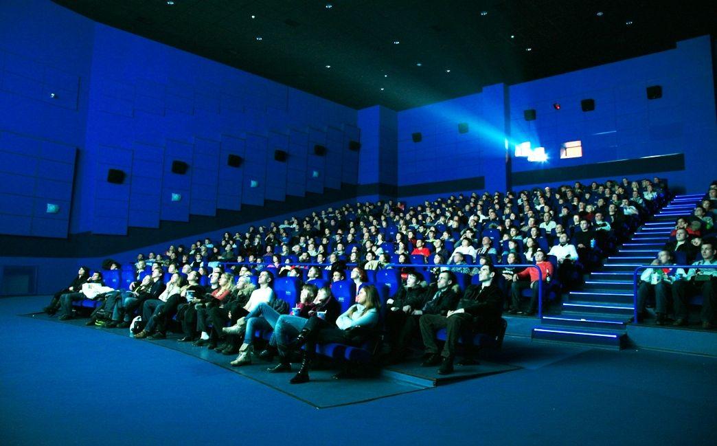 ВКраснодаре вкино покажут спектакли— лауреаты премии «Золотая Маска»