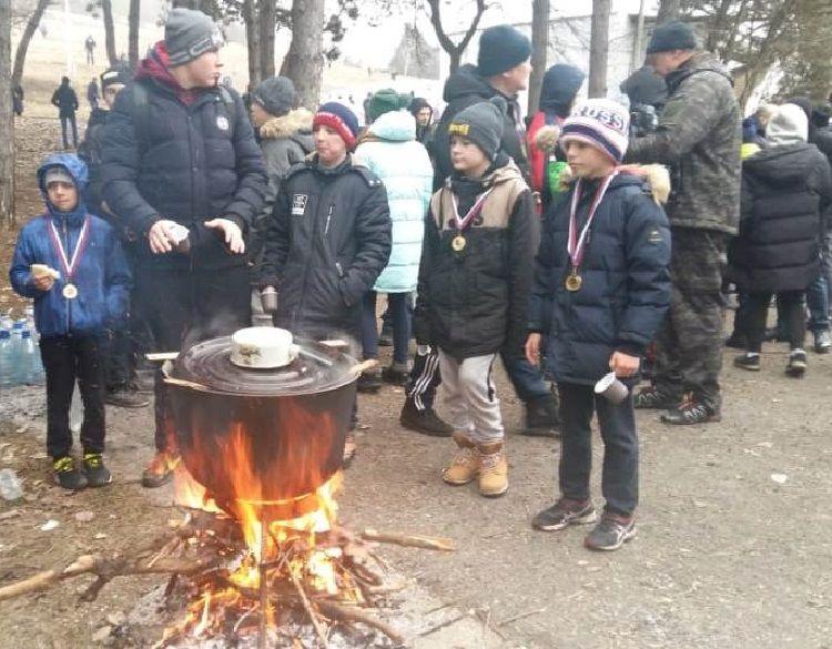200 ставропольцев совершили первое в этом году восхождение на Машук