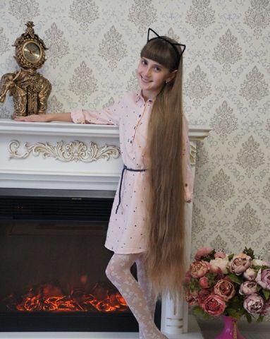 Ставропольская школьница попала в книгу рекордов России благодаря своим длинным волосам