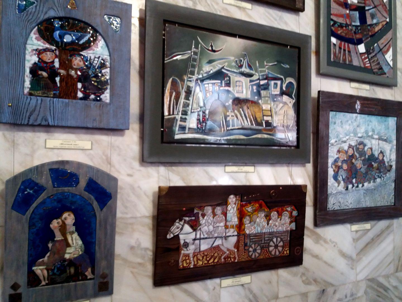 Шедевры художников-эмальеров украсили «Нарзанную галерею» Кисловодска