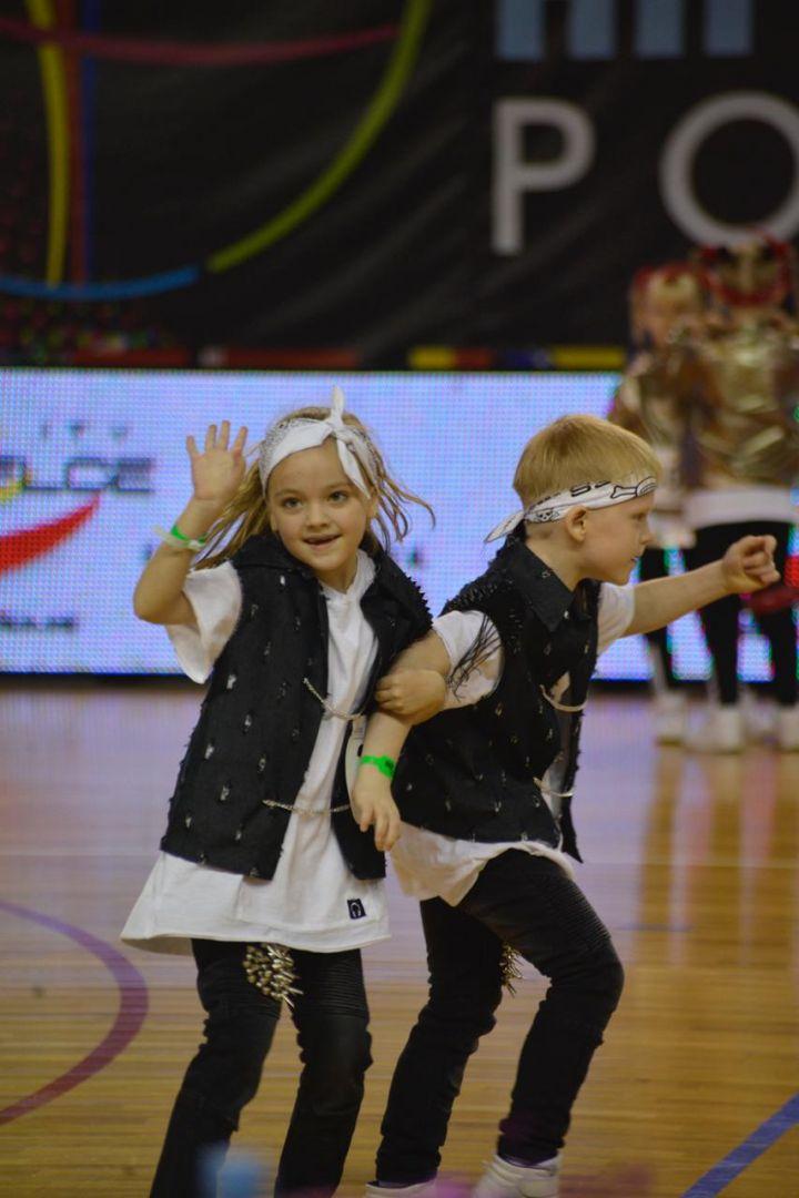 Ставропольские танцоры пополнили медальную копилку сборной России значимыми наградами