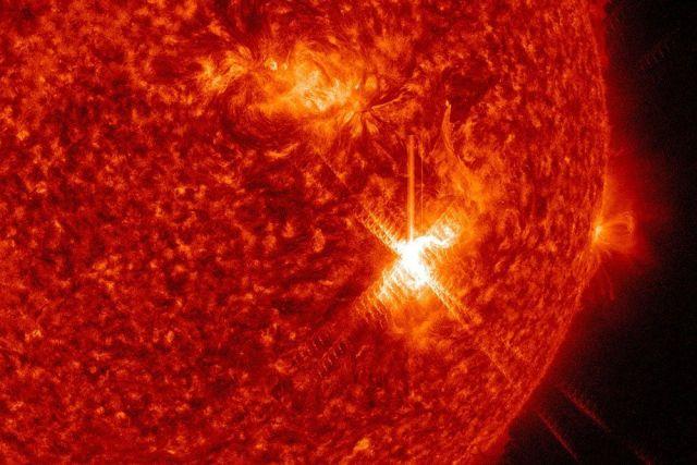 Мощная вспышка на Солнце откликнется сильной геомагнитной бурей